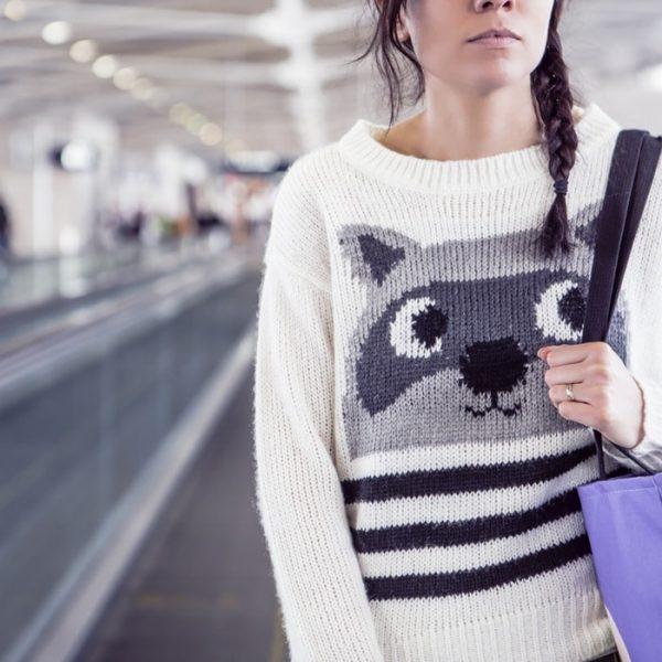 fashion-woman-girl-pullover-min